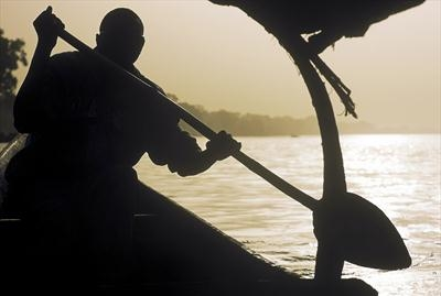 Pirogue on The Niger